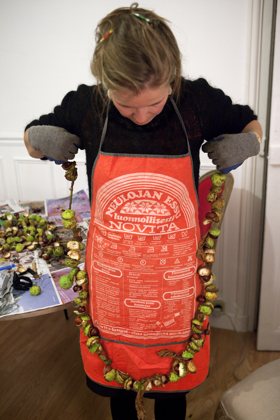 Measuring that apron © Eyes as Big as Plates
