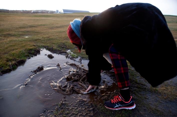 Mud dunkin', popular in Iceland © Karoline Hjorth & Riitta Ikonen