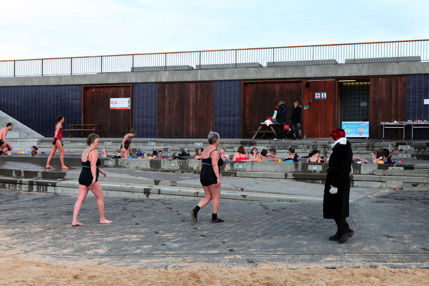 On the first location scouting trip this morning we bumped into this cheerful crowd at the Nauthólsvík Geothermal Beach © Riitta Ikonen & Karoline Hjorth