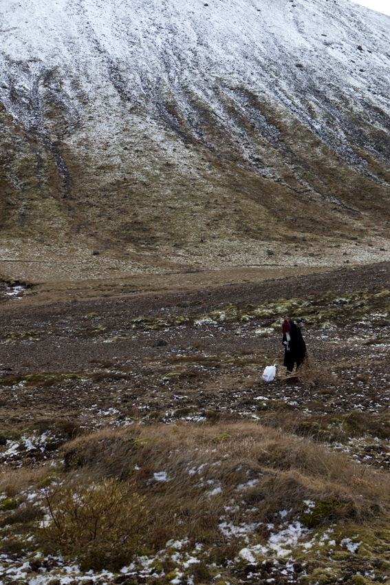 Off to the second shoot of the day © Karoline Hjorth & Riitta Ikonen
