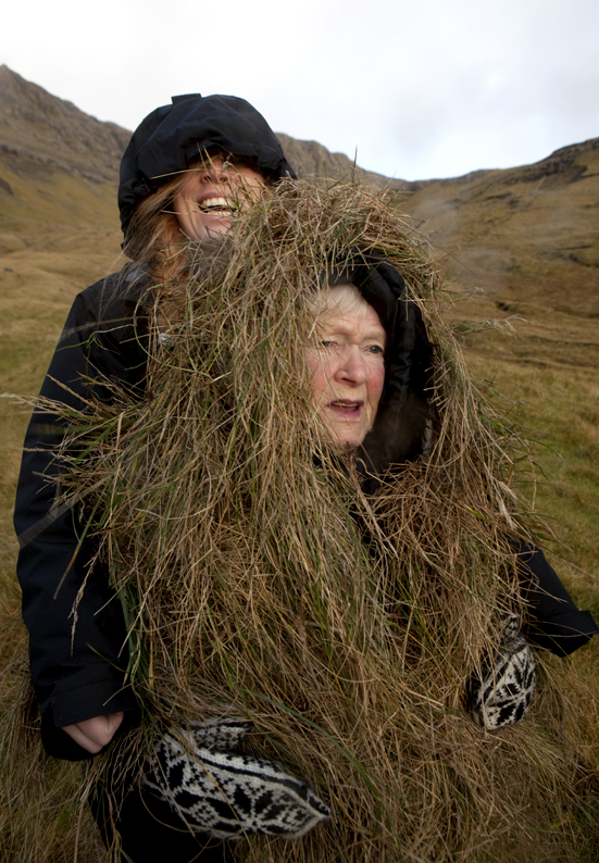 Katrin was camouflaged in as background support © Riitta Ikonen and Karoline Hjorth