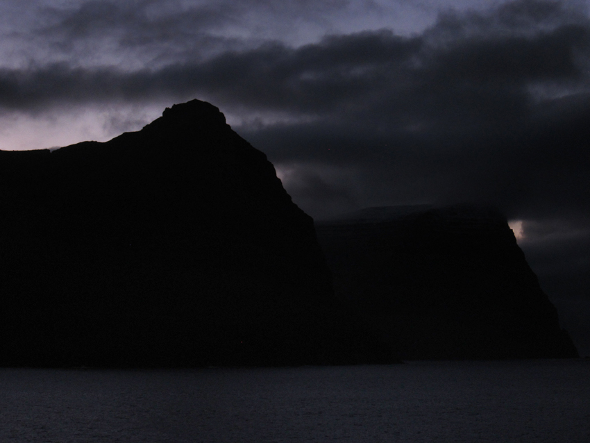 Borðoy and Kunoy in the dusk © Karoline Hjorth & Riitta Ikonen