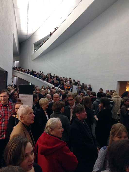 The Kiasma crowd packed liked sardines © Eyes as Big as Plates