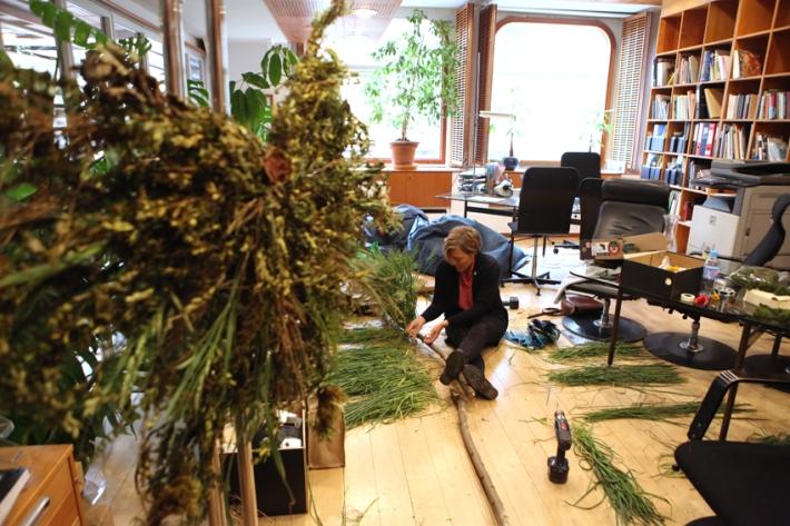 The executive office in turmoil © Karoline Hjorth & Riitta Ikonen