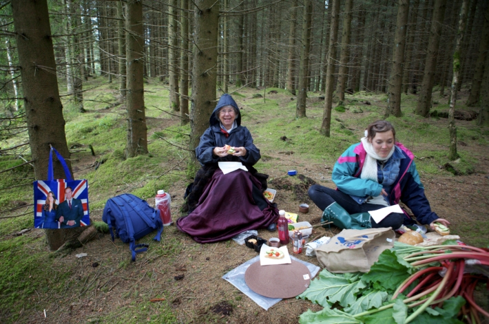 Post shoot picnic in the Rogaland arboretum. © Karoline Hjorth & Riitta Ikonen